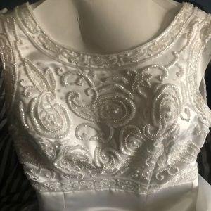 Size 4 Demetrios circ 98/99 wedding dress